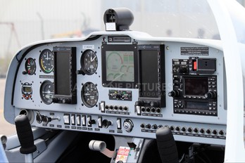 F-HGRR - Private Issoire APM 40 Simba