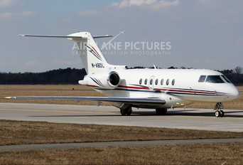M-ABDL - Private Hawker Beechcraft 4000 Horizon