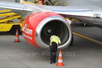 G-CELU - Jet2 Boeing 737-300