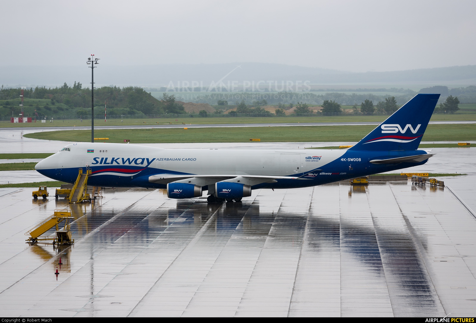 Silk Way Airlines 4K-SW008 aircraft at Vienna - Schwechat