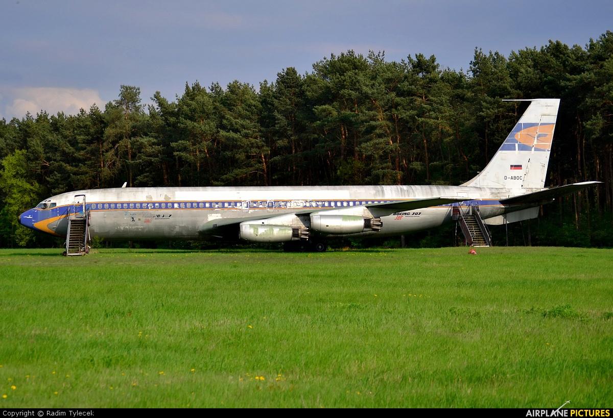 Undisclosed N130KR aircraft at Berlin - Tegel