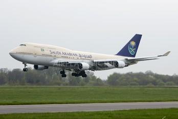 TF-AMV - Saudi Arabian Airlines Boeing 747-400