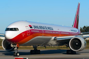 D2-TEG - TAAG - Angola Airlines Boeing 777-300ER