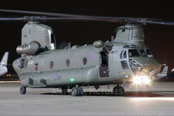 ZA704 - Royal Air Force Boeing Chinook HC.2
