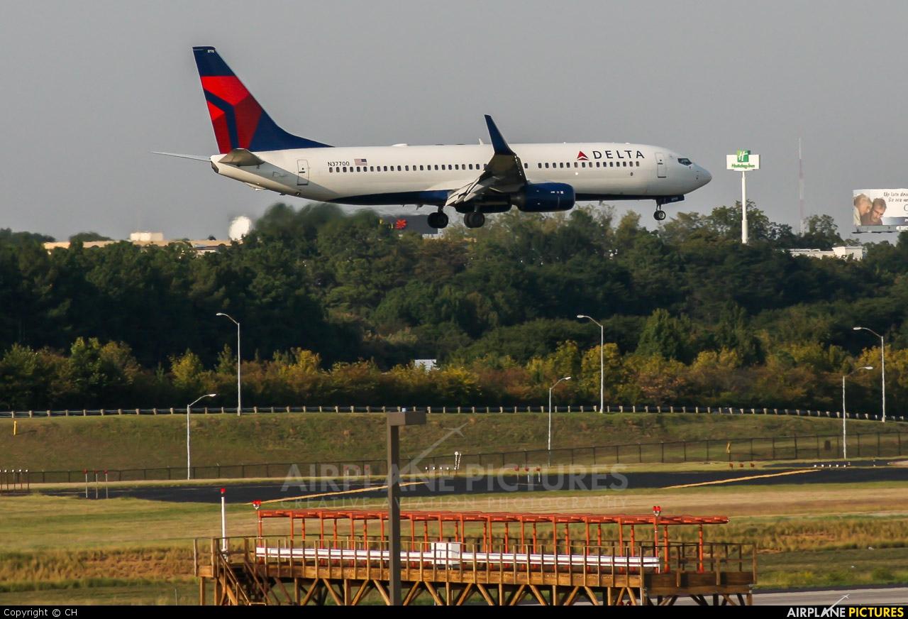 Delta Air Lines N37700 aircraft at Atlanta - Hartsfield-Jackson Intl