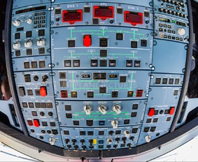- - TAM Airbus A319