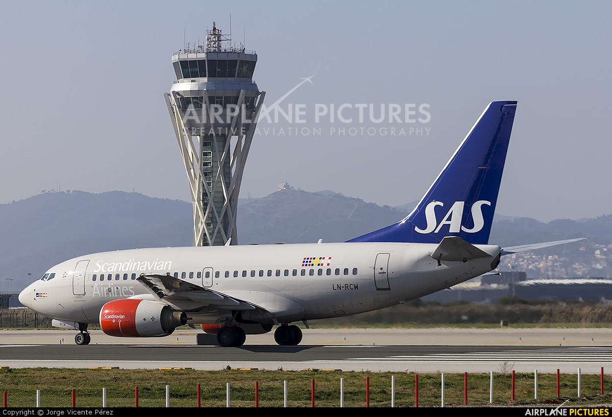 SAS - Scandinavian Airlines LN-RCW aircraft at Barcelona - El Prat