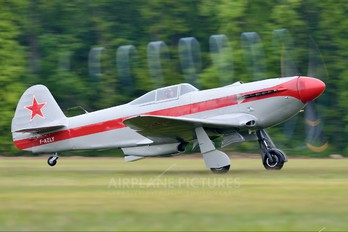 F-AZLY - Private Yakovlev Yak-3M