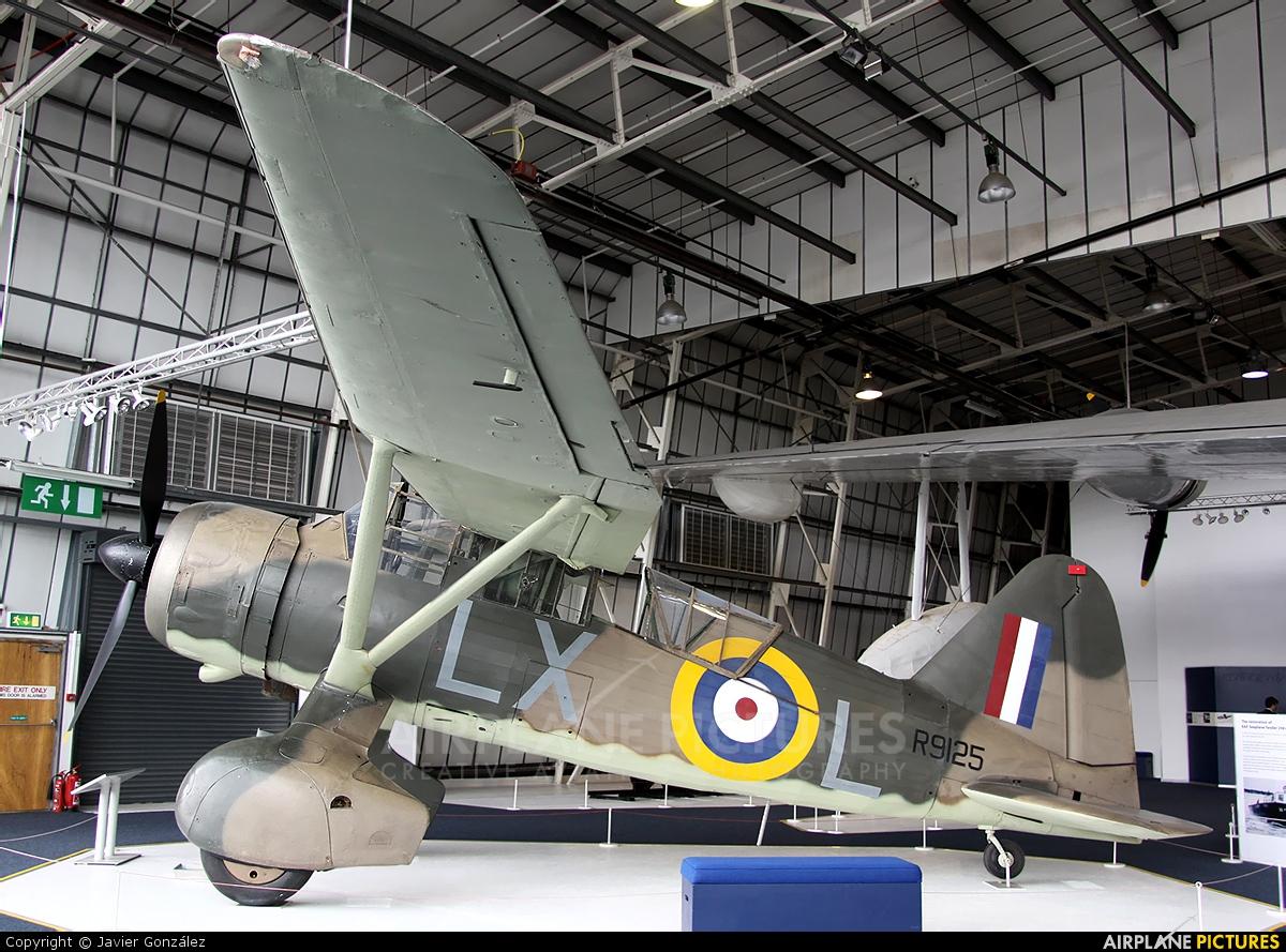 Royal Air Force R9125 aircraft at Hendon - RAF Museum