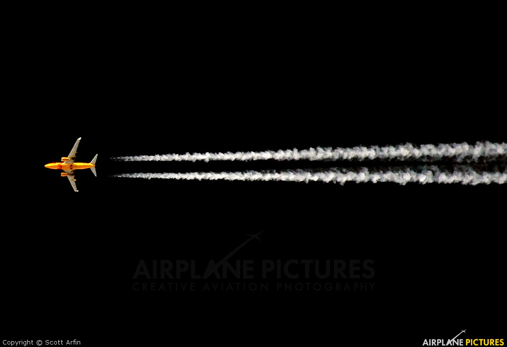 Southwest Airlines N781WN aircraft at In Flight - California