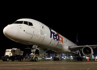 N918FD - FedEx Federal Express Boeing 757-200F