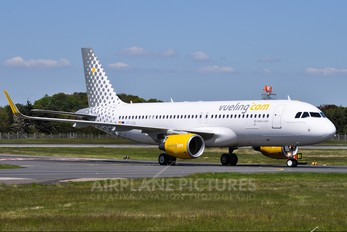 EC-LVU - Vueling Airlines Airbus A320