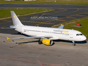 EC-HQI - Vueling Airlines Airbus A320