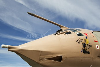 XM715 - Royal Air Force Handley Page Victor K.2