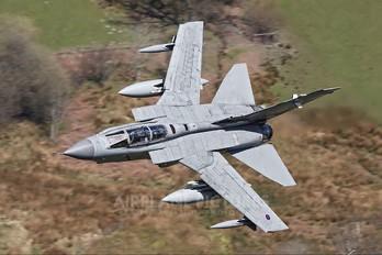 ZA595 - Royal Air Force Panavia Tornado GR.4 / 4A