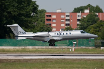 I-FOOR - Private Learjet 45