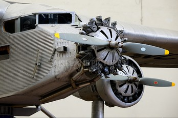 NC9637 - Pan American Airways System  Ford 5-AT Trimotor