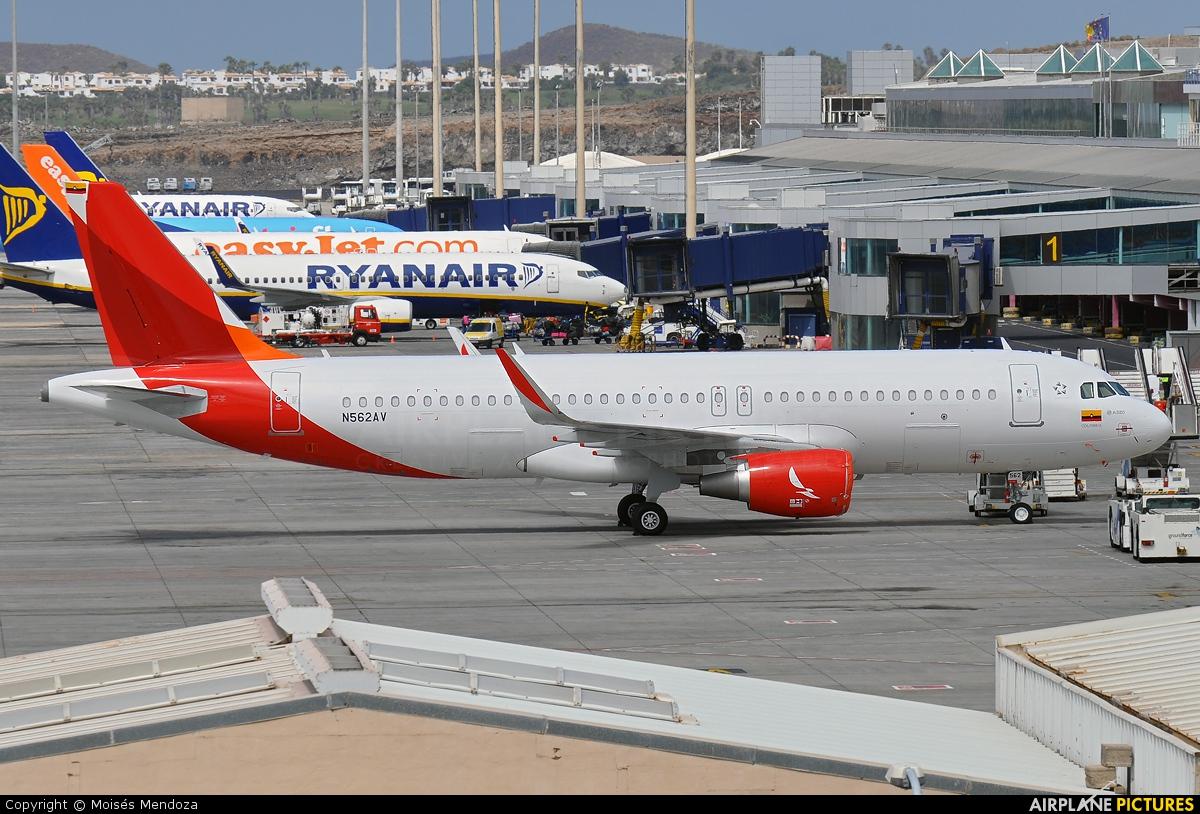 Avianca N562AV aircraft at Tenerife Sur - Reina Sofia