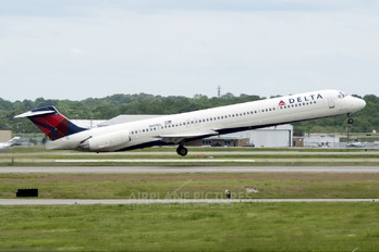 N997DL - Delta Air Lines McDonnell Douglas MD-88