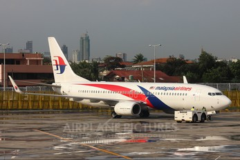 9M-MXL - Malaysia Airlines Boeing 737-800