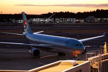 HL8227 - Korean Air Airbus A330-200