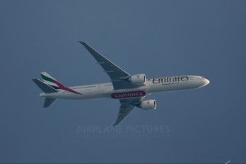 A6-EGF - Emirates Airlines Boeing 777-300ER