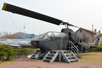 29066 - Korea (South) - Air Force Bell AH-1S Cobra