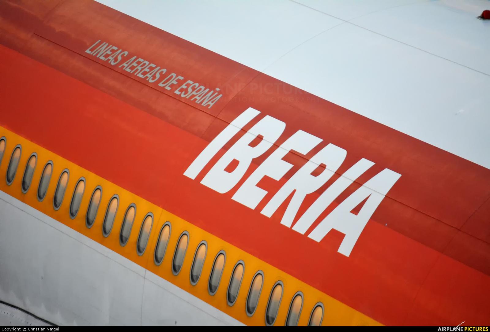 Iberia EC-GJT aircraft at Rio de Janeiro/Galeão Intl - Antonio Carlos Jobim