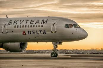 N705TW - Delta Air Lines Boeing 757-200