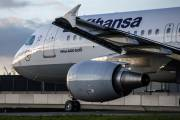 D-AIZM - Lufthansa Airbus A320 aircraft