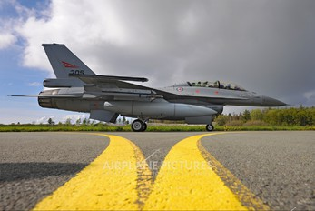 305 - Norway - Royal Norwegian Air Force General Dynamics F-16B Fighting Falcon