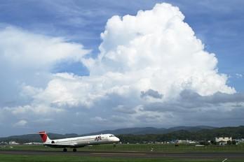 JA8029 - JAL - Japan Airlines McDonnell Douglas MD-90