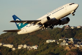 ZK-NGM - Air New Zealand Boeing 737-300