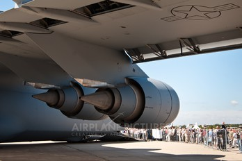86-0013 - USA - Air Force Lockheed C-5B Galaxy