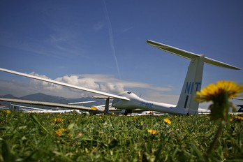 OM-8800 - Aeroklub Nitra DG Flugzeugbau DG-1000