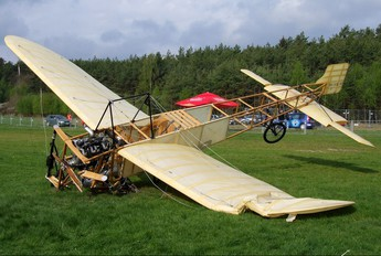 OK-OUL-50 - Private Bleriot XI