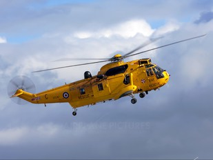 XZ587 - Royal Air Force Westland Sea King HAR.3