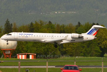 F-GRZC - Air France - Brit Air Canadair CL-600 CRJ-702
