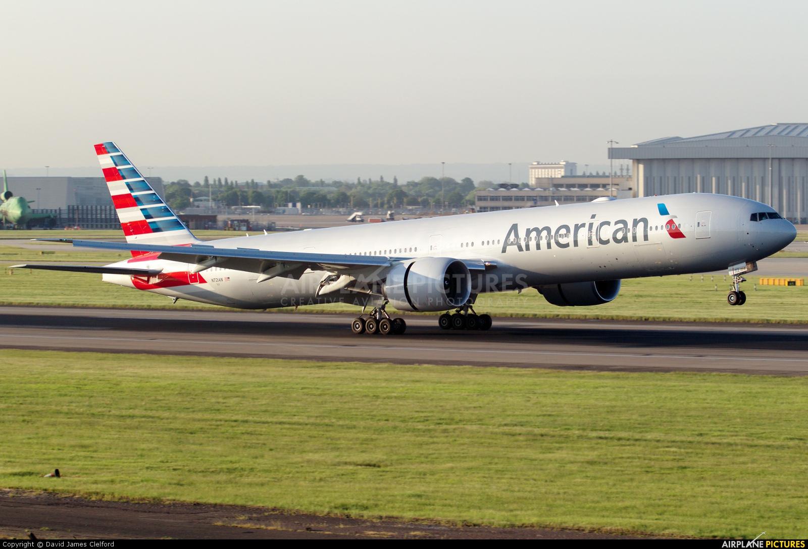 American Airlines N721AN aircraft at London - Heathrow