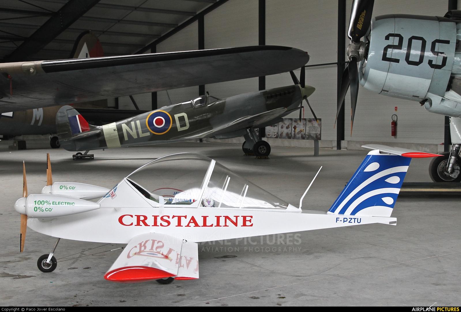 Private F-PZTU aircraft at La Ferté-Alais