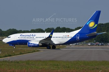 D-AHXD - Rwandair Express Boeing 737-700