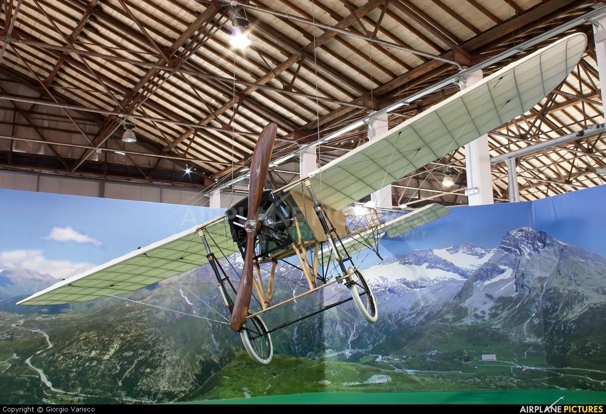 Private - aircraft at Milan - Malpensa