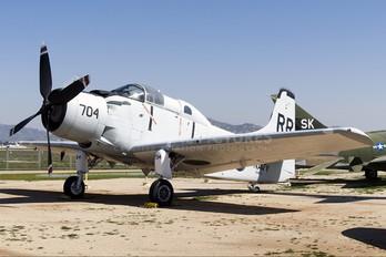 132789 - USA - Navy Douglas EA-1E Skyraider