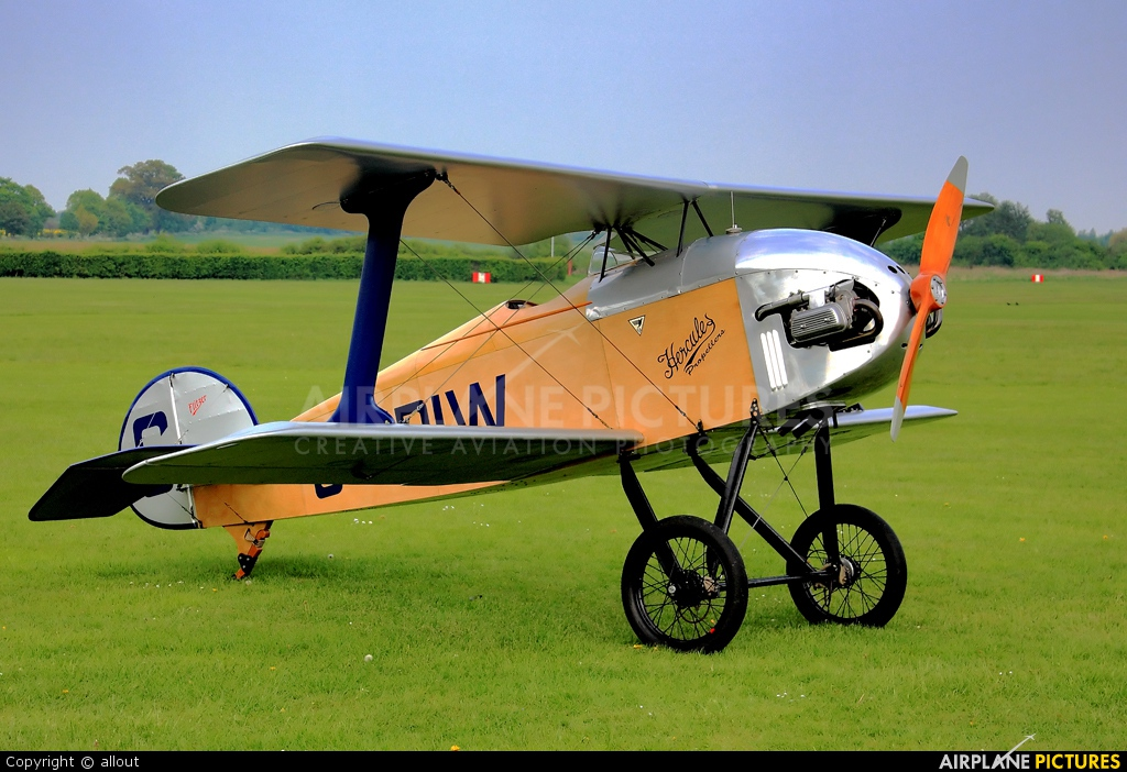 Private G-ERIW aircraft at Old Warden