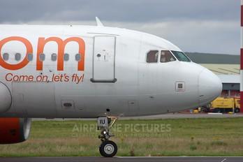 G-EZIU - easyJet Airbus A319