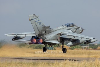 MM7068 - Italy - Air Force Panavia Tornado - ECR