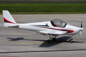 - - Private Skyleader Skyleader 200