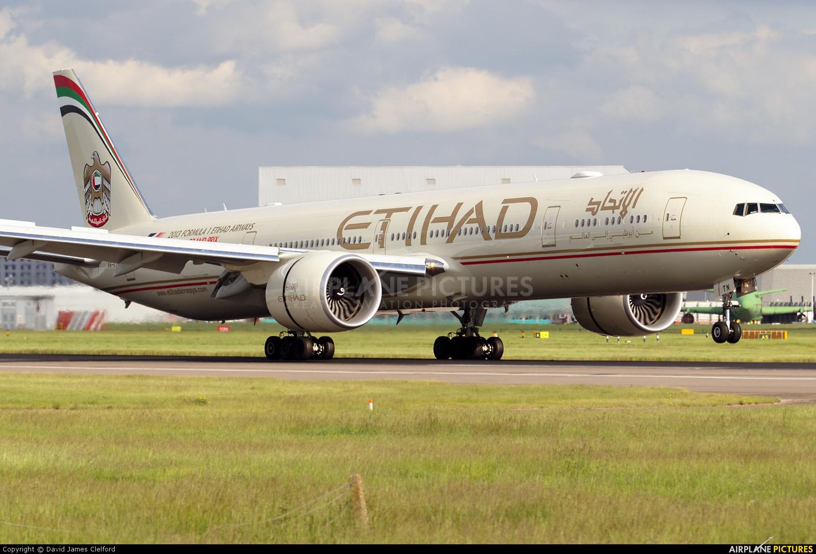 Etihad Airways A6-ETN aircraft at London - Heathrow
