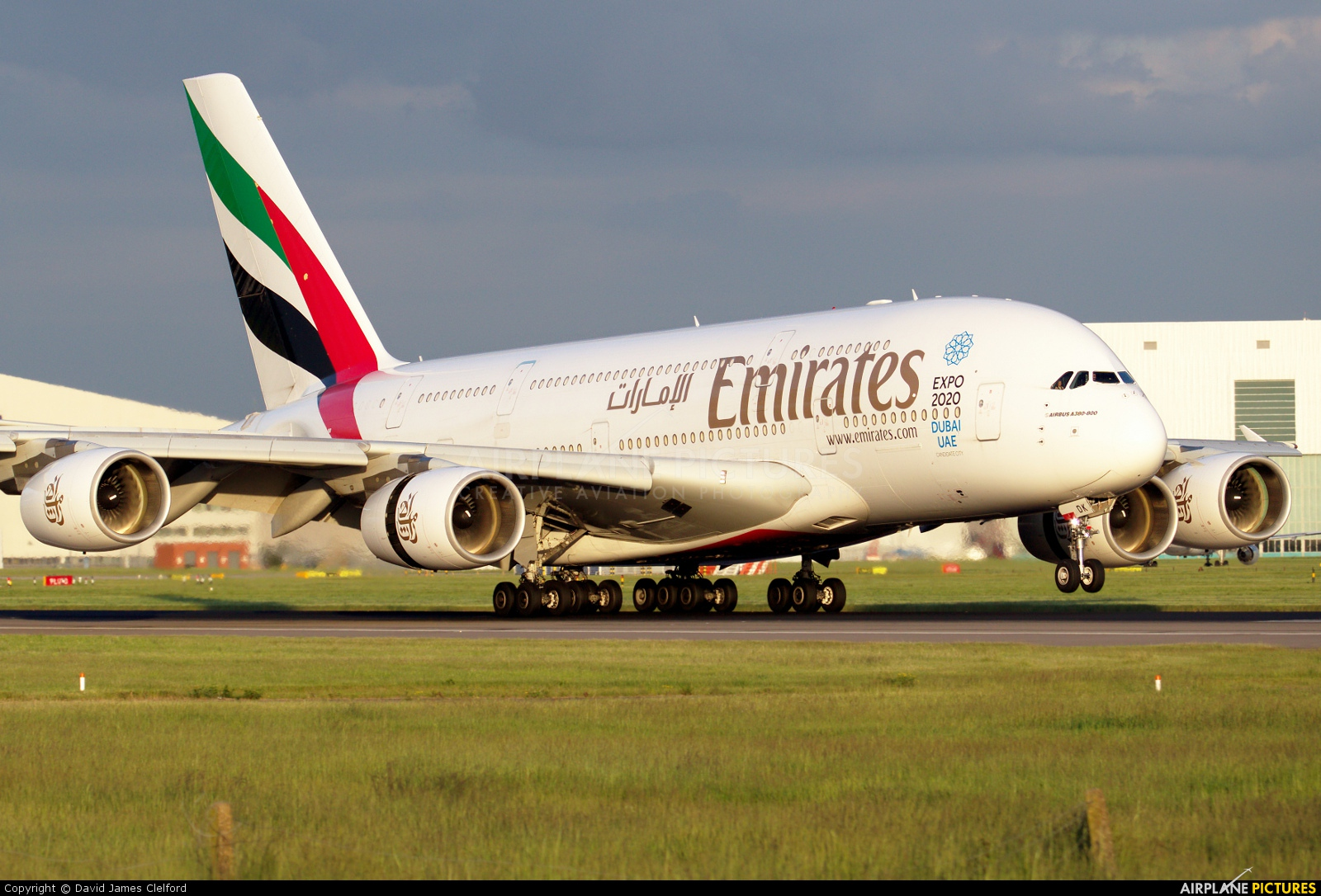 Emirates Airlines A6-EDK aircraft at London - Heathrow