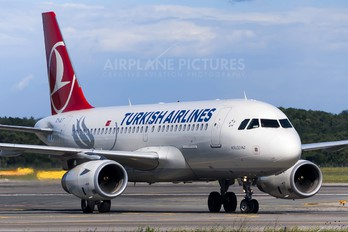 TC-JLT - Turkish Airlines Airbus A319